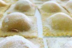 La cena è pronta, ravioli di patate appena fatti dalla nostra Eliana #ravioli #raviolidipatate #cena #casinadellaburraia #patate #mangiaresano #mangiaresanoebene #raviolichebonta